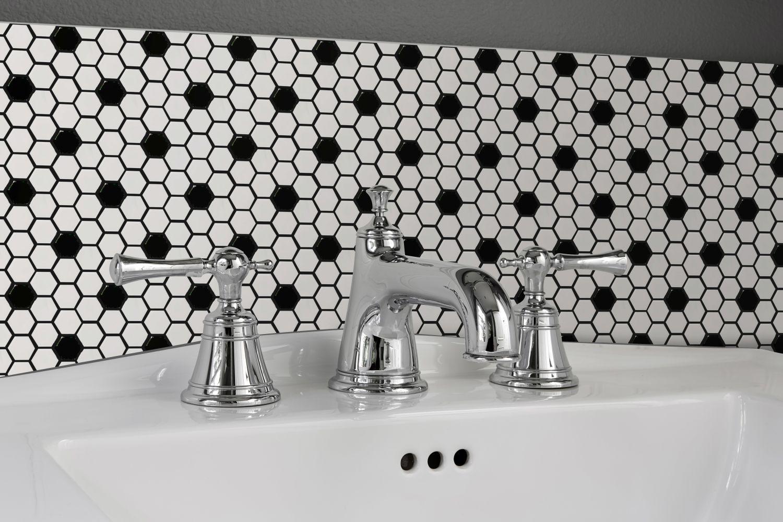 Emser Influence Porcelain Glossy White/Black W95INFLWHBK1012MH1