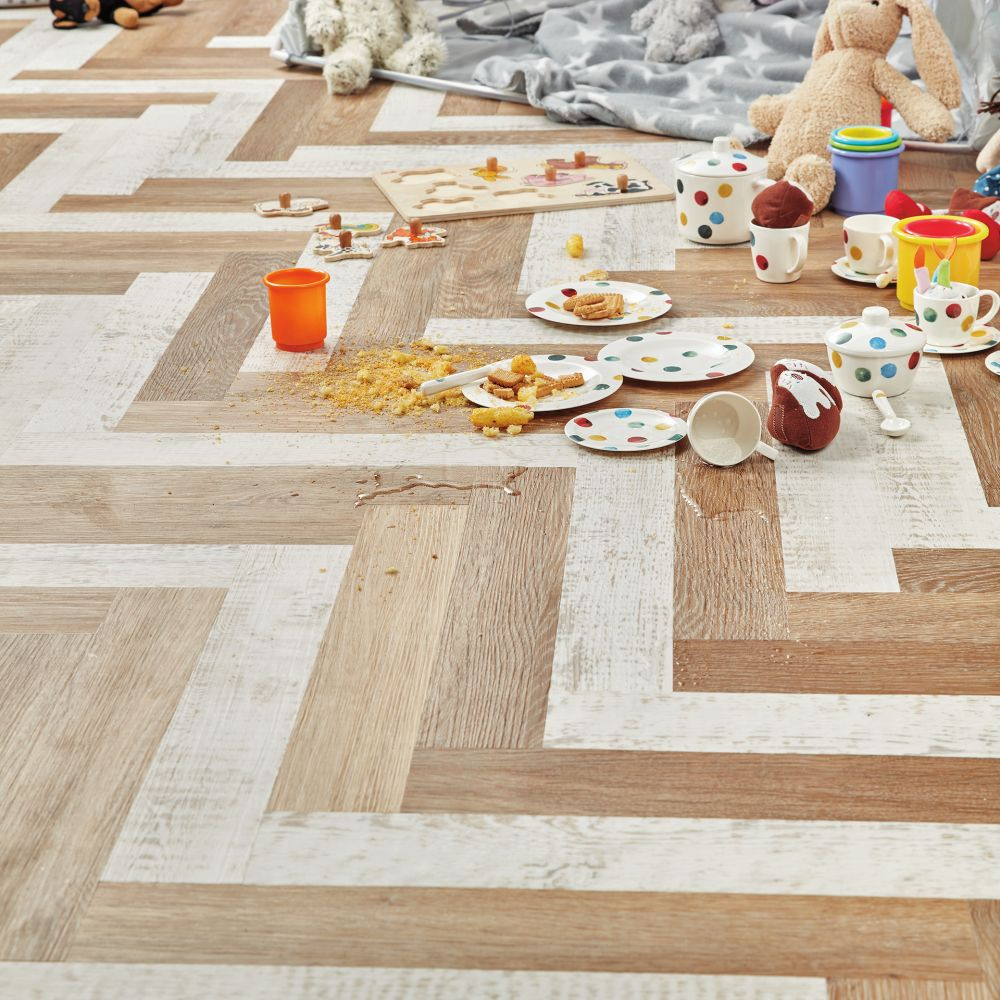 Karndean Knight Tile Pale Limed Oak KP94