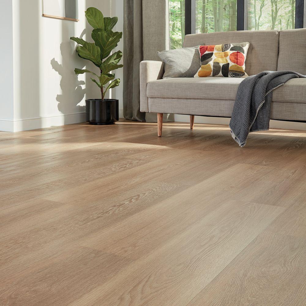 Karndean Korlok Select Warm Brushed Oak RKP8215US