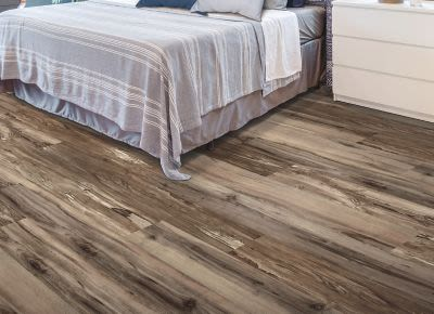 Mohawk Revelance Multi-Strip Brownstone RVL44-20