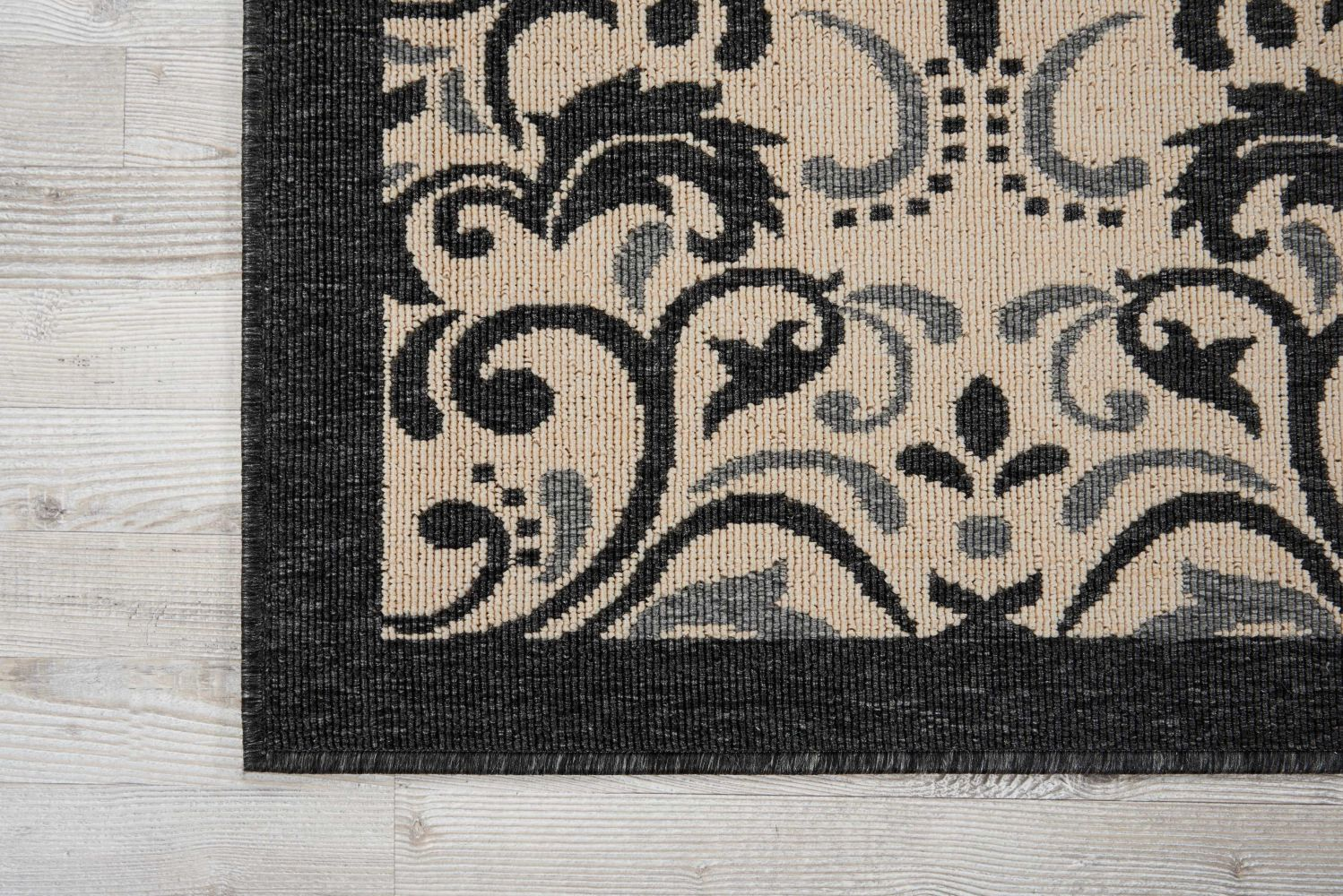 Nourison Caribbean Ivory/Charcoal 5'3″ x 7'5″ CRB12VRYCHRCL5X8