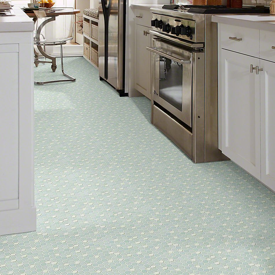 Shaw Floors Ceramic Solutions Molten Hexagon Glass Platinum 00150_CS52V