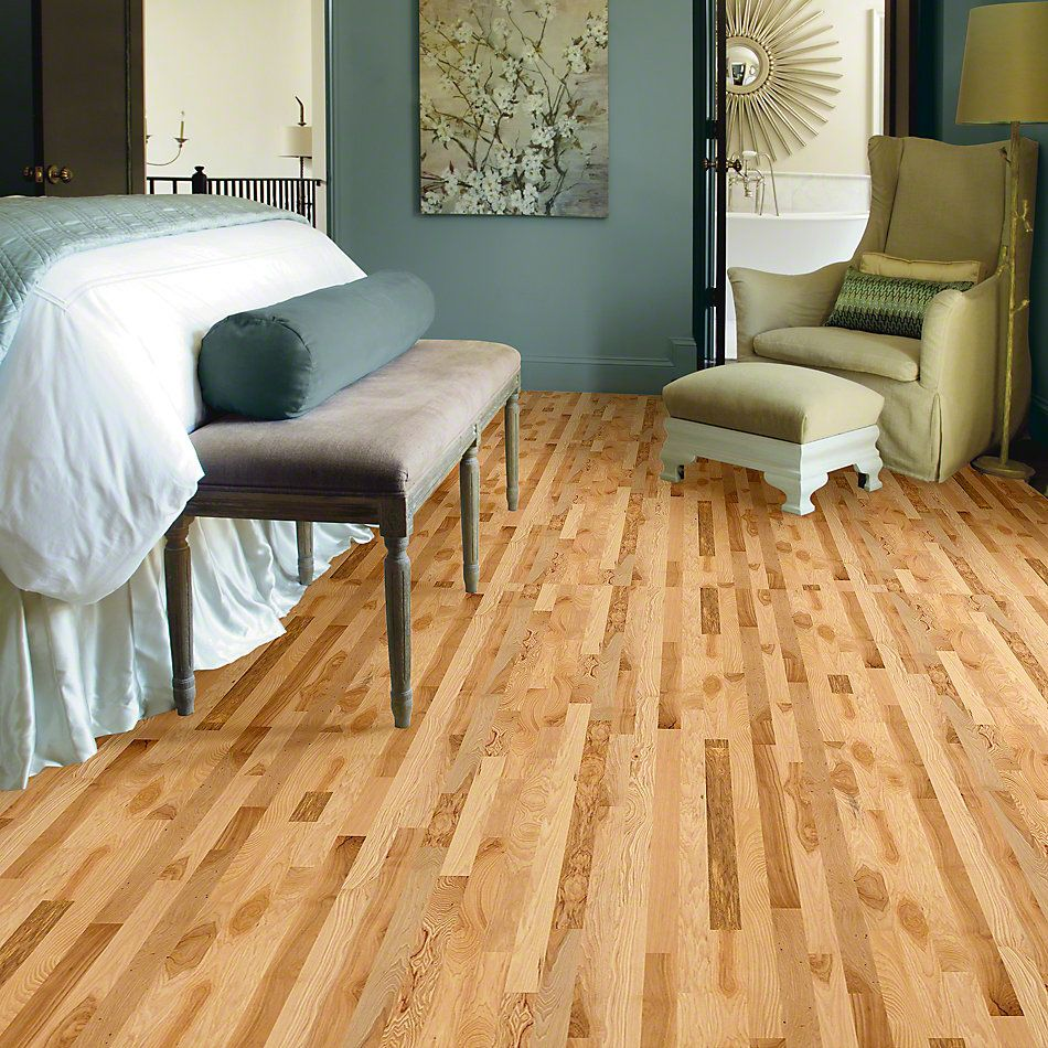 Shaw Floors Shaw Hardwoods Lucky Day 3.25 Rustic Natural Hickory 00258_SW478