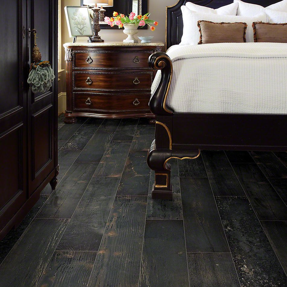 Shaw Floors Emberwood 7×47 Carbon 00571_CS69Z