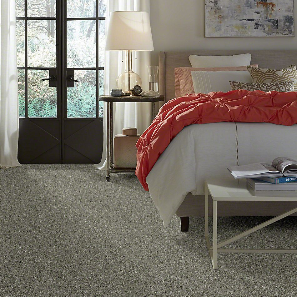 Shaw Floors Dyersburg Classic 15′ Suede 00731_E0948