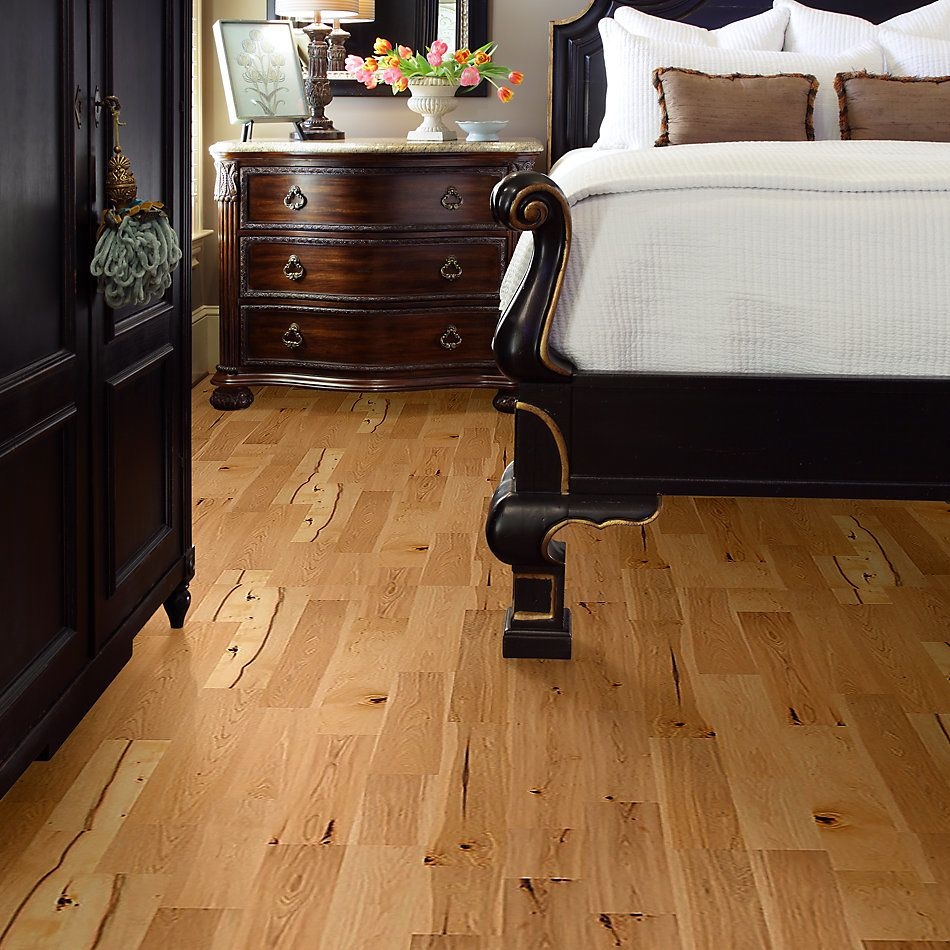 Shaw Floors Nfa Premier Gallery Hardwood Castleton Hickory Coat Of Arms 00993_VH036