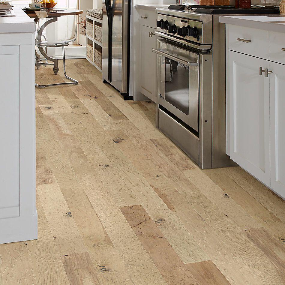 Shaw Floors Home Fn Gold Hardwood Wayward Hickory 5″ Linen 01086_HW716