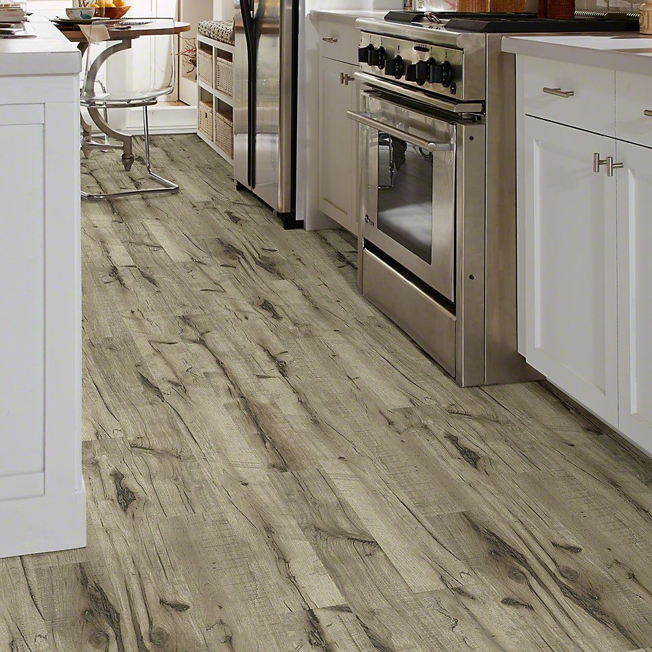 Shaw Floors Versalock Laminate Pinnacle Port Golden Hickory 02005_SL378