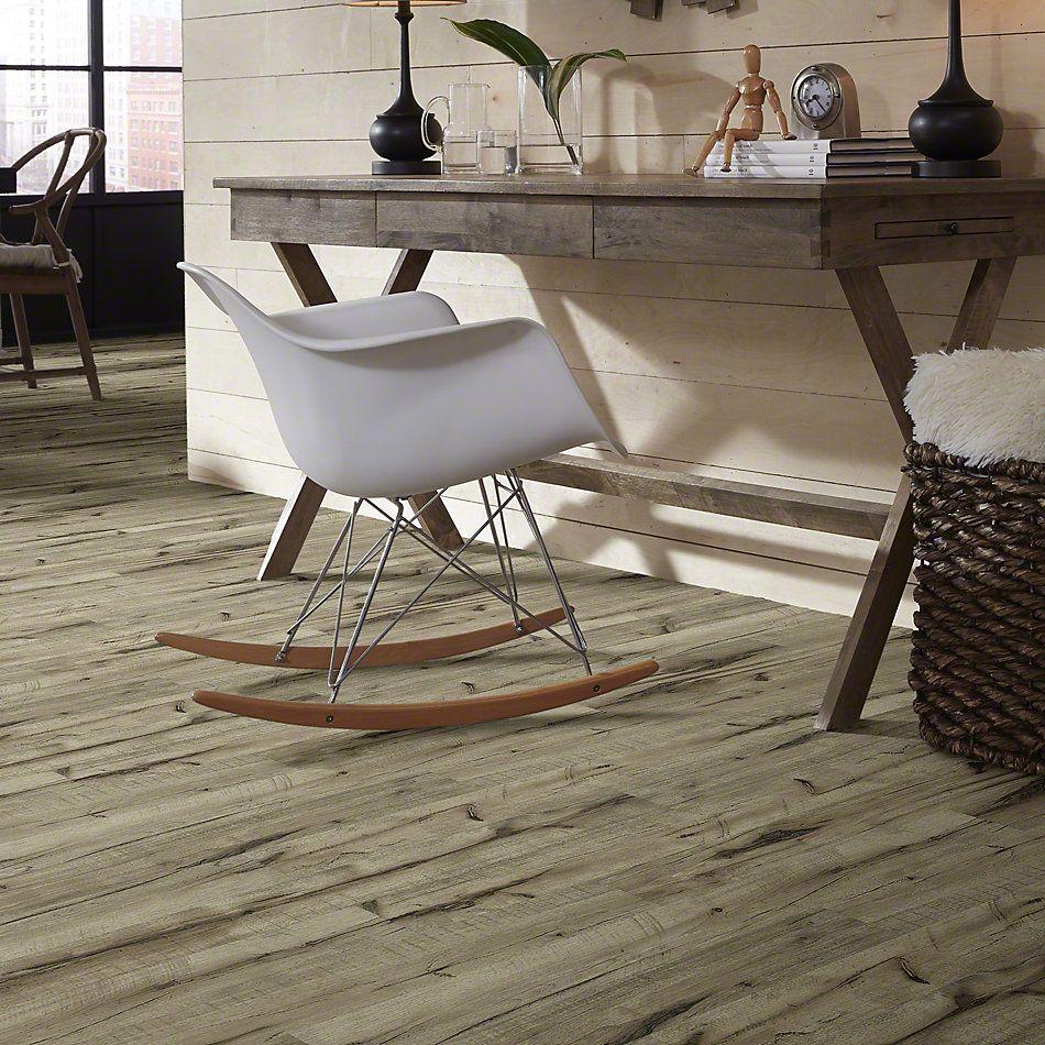 Shaw Floors Versalock Laminate Pinnacle Port Golden Hickory 02005_SL378