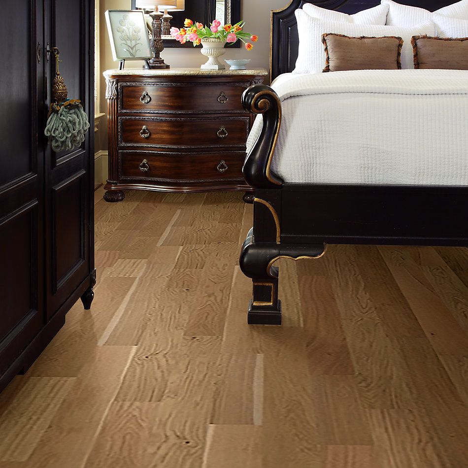 Shaw Floors Home Fn Gold Hardwood Manhattan Hearst 02012_HW583
