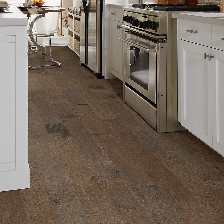 Shaw Floors Shaw Hardwoods Yukon Maple 6 3/8 Bison 03000_SW548