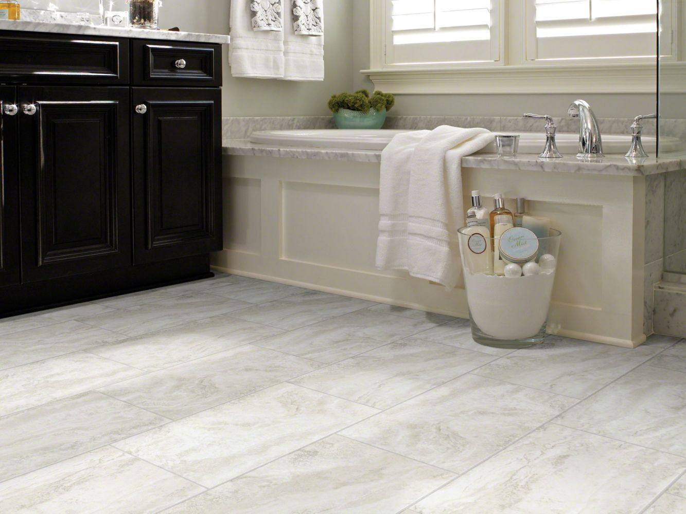 Shaw Floors Resilient Residential Journey Tile Crete 00112_0494V