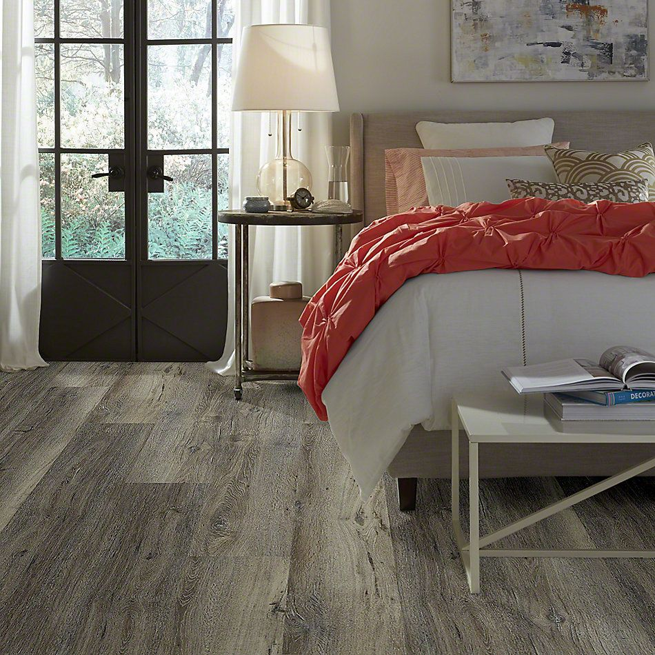 Shaw Floors Contest Silver Oak 05003_SMR03