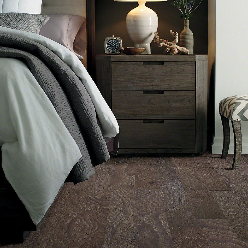 Shaw Floors Shaw Hardwoods Compete Peppercorn 05003_SMW02
