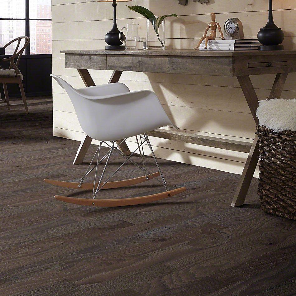 Shaw Floors Shaw Hardwoods Compete Peppercorn 05003_SMW02