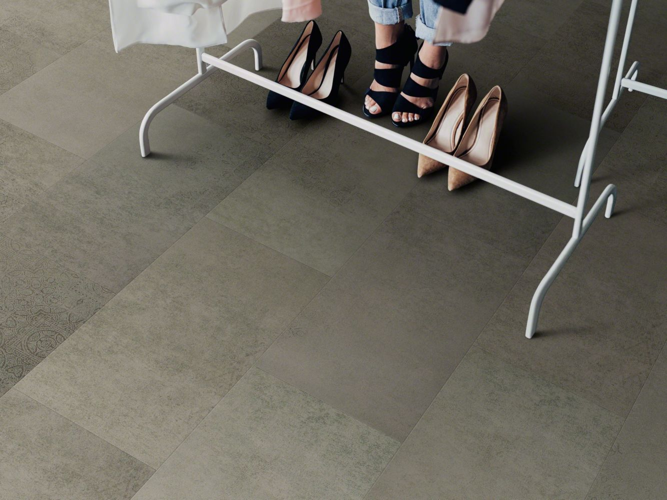 Shaw Floors Resilient Residential Set In Stone 720c Plus Bluff 00588_0834V