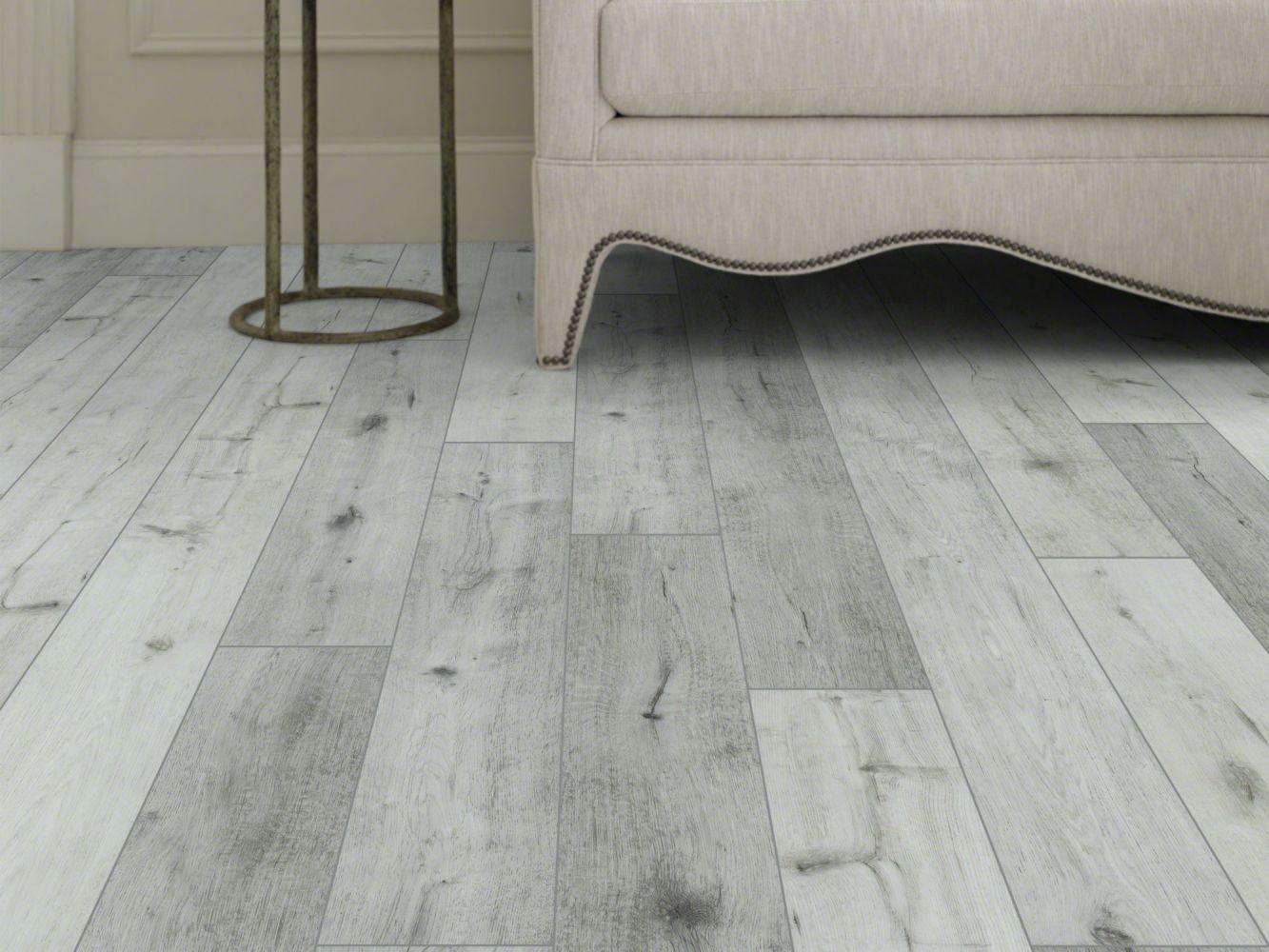 Shaw Floors Resilient Residential Goliath Plus Coastal Oak 01007_2042V