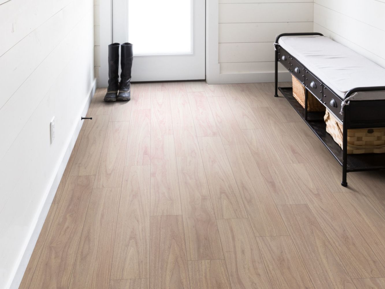 Shaw Floors Resilient Residential Distinction Plus Blonde Walnut 01091_2045V