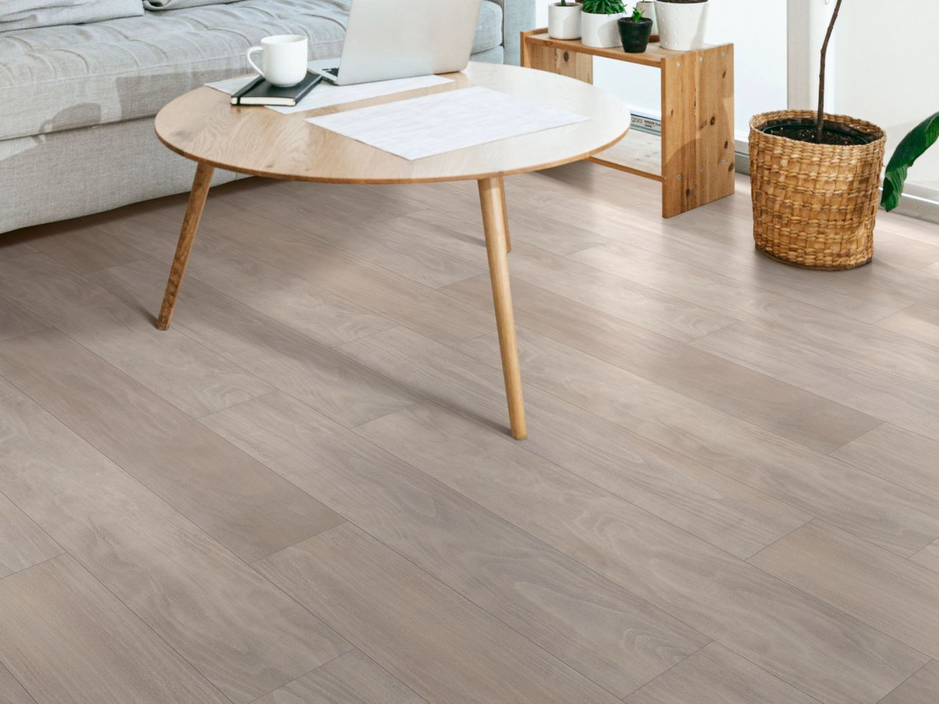 Shaw Floors Resilient Residential Distinction Plus White Tea 05129_2045V