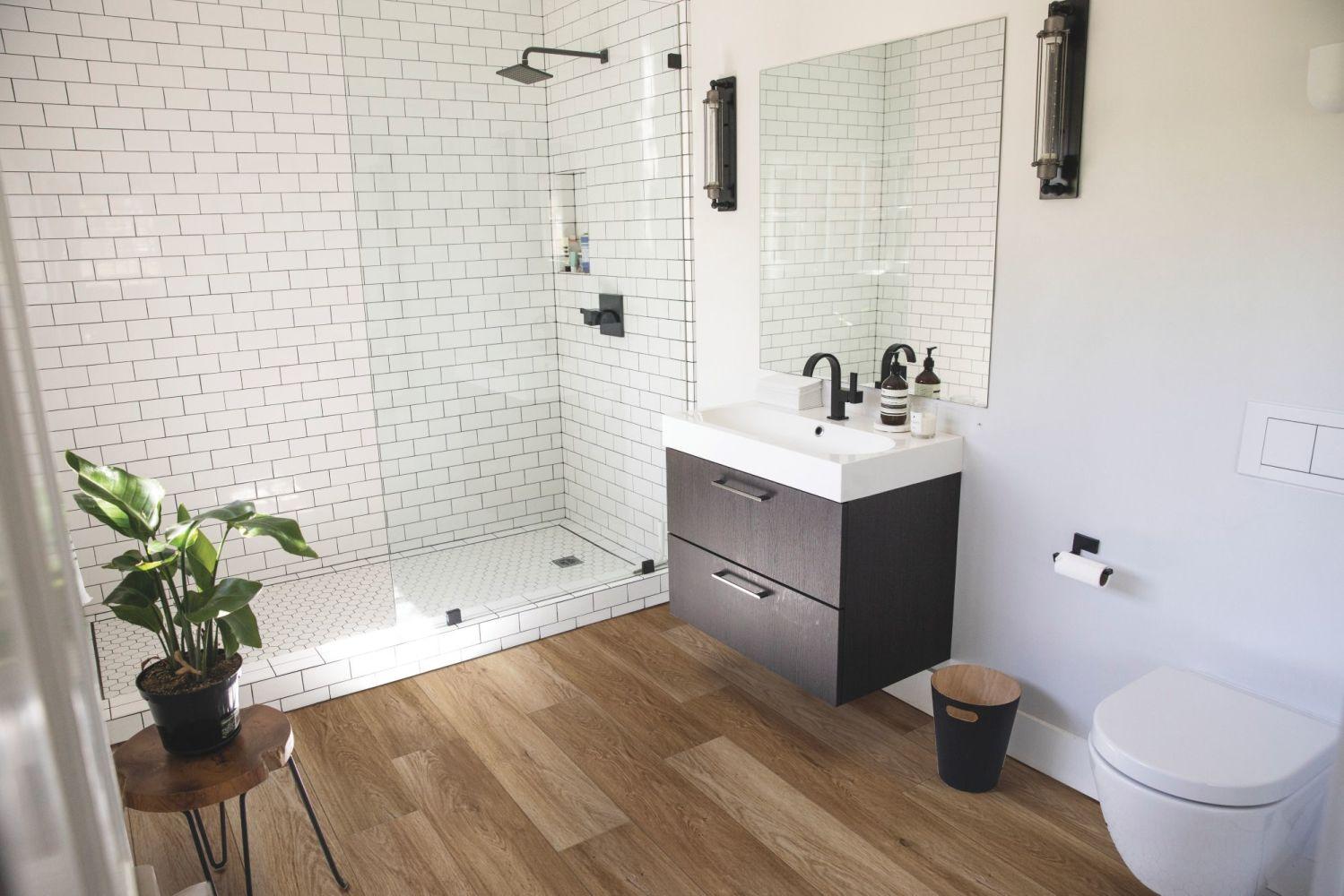 Shaw Floors Resilient Residential Enterprise 9″ Buckingham Oak 02102_345CT