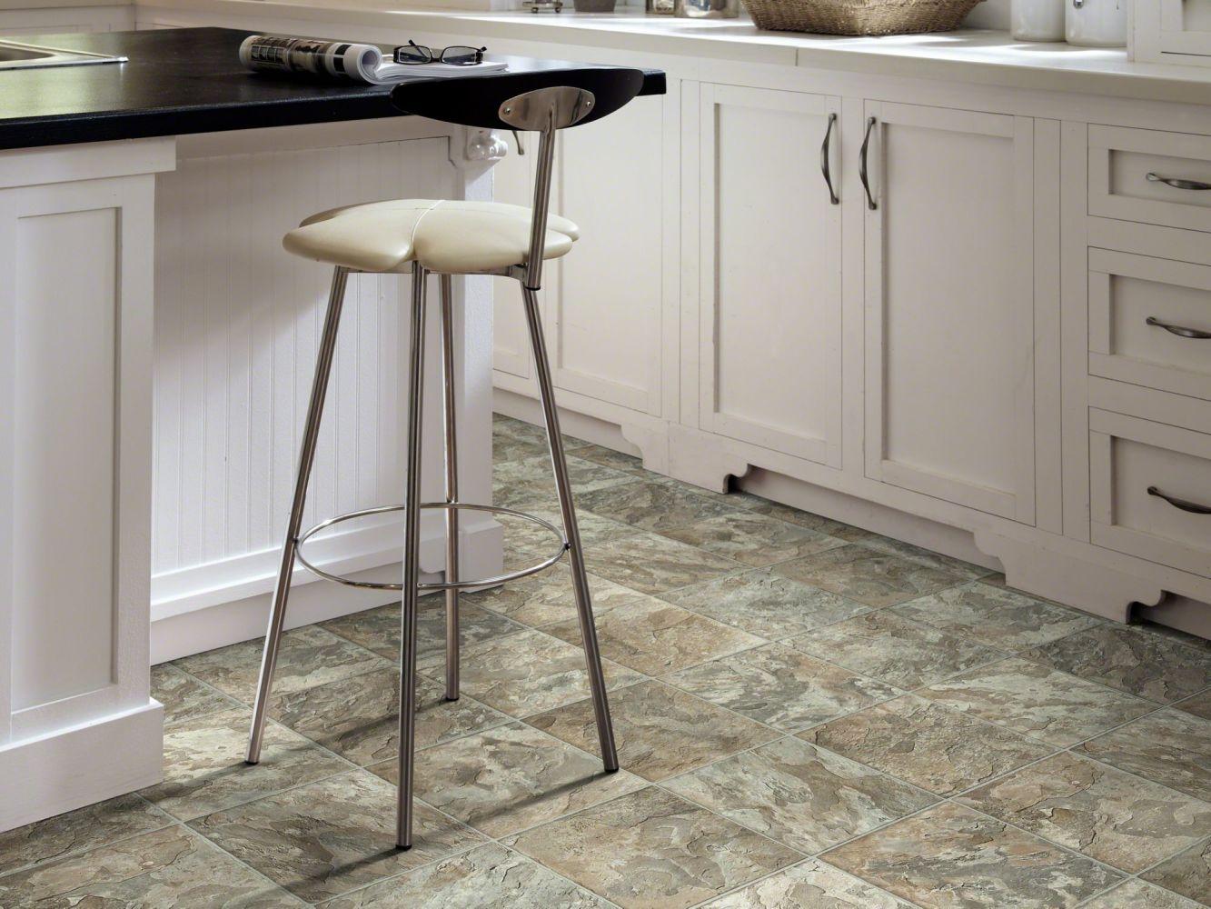 Shaw Floors Resilient Residential Carlton Peoria 00550_AR617