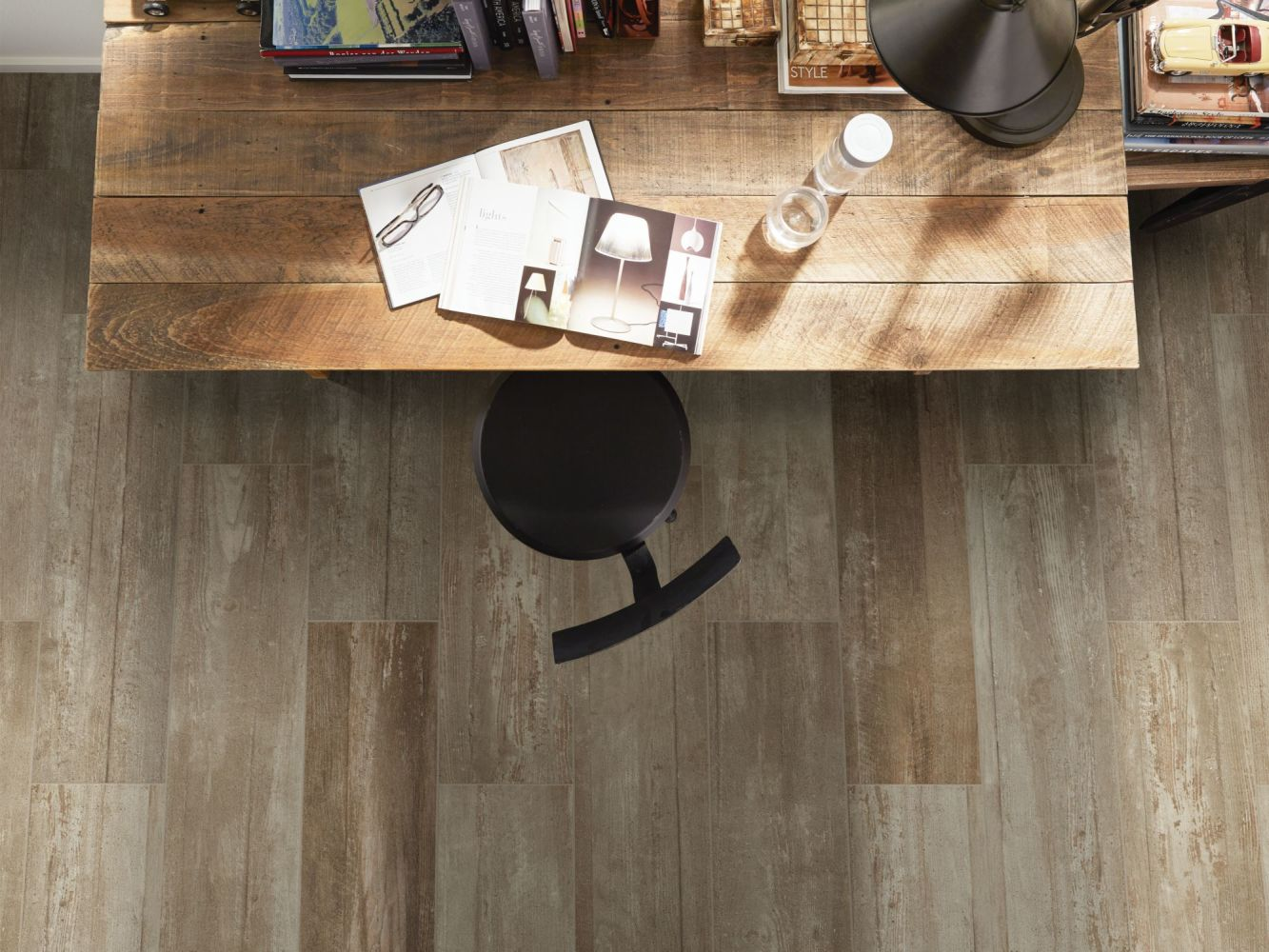 Shaw Floors Ceramic Solutions Glee 8.5×40 Noce 00700_CS62V