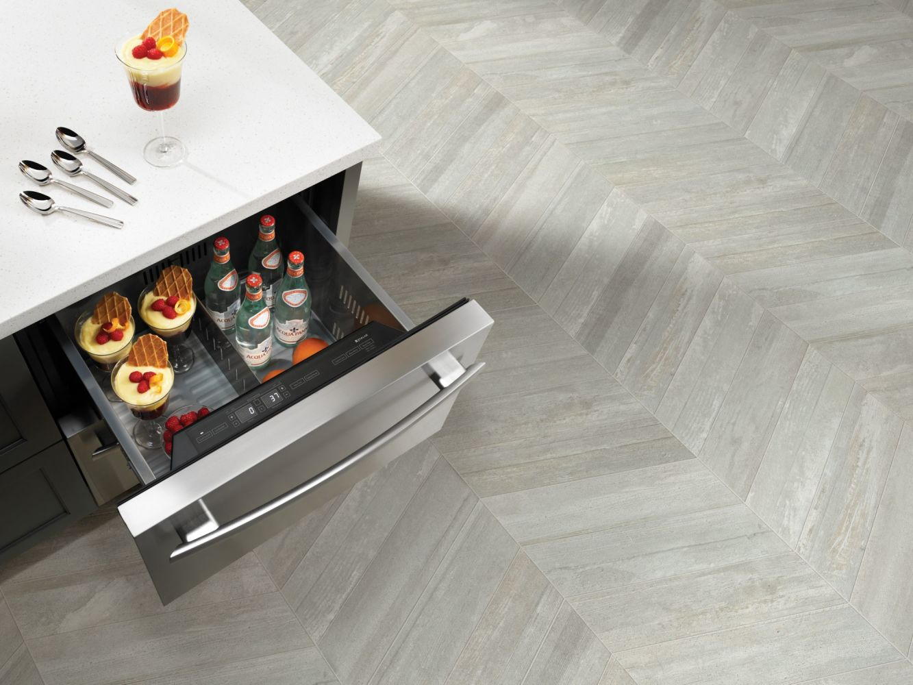 Shaw Floors Ceramic Solutions Glee Chevron Gray 00500_CS63V