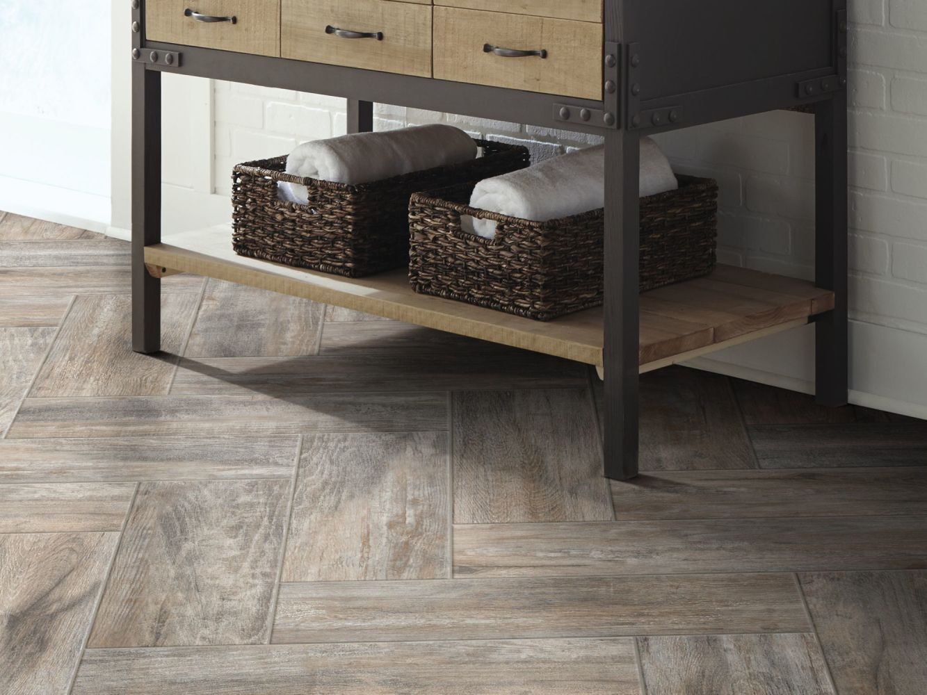 Shaw Floors Ceramic Solutions Olympia 7×22 Ash 00500_CS68Q