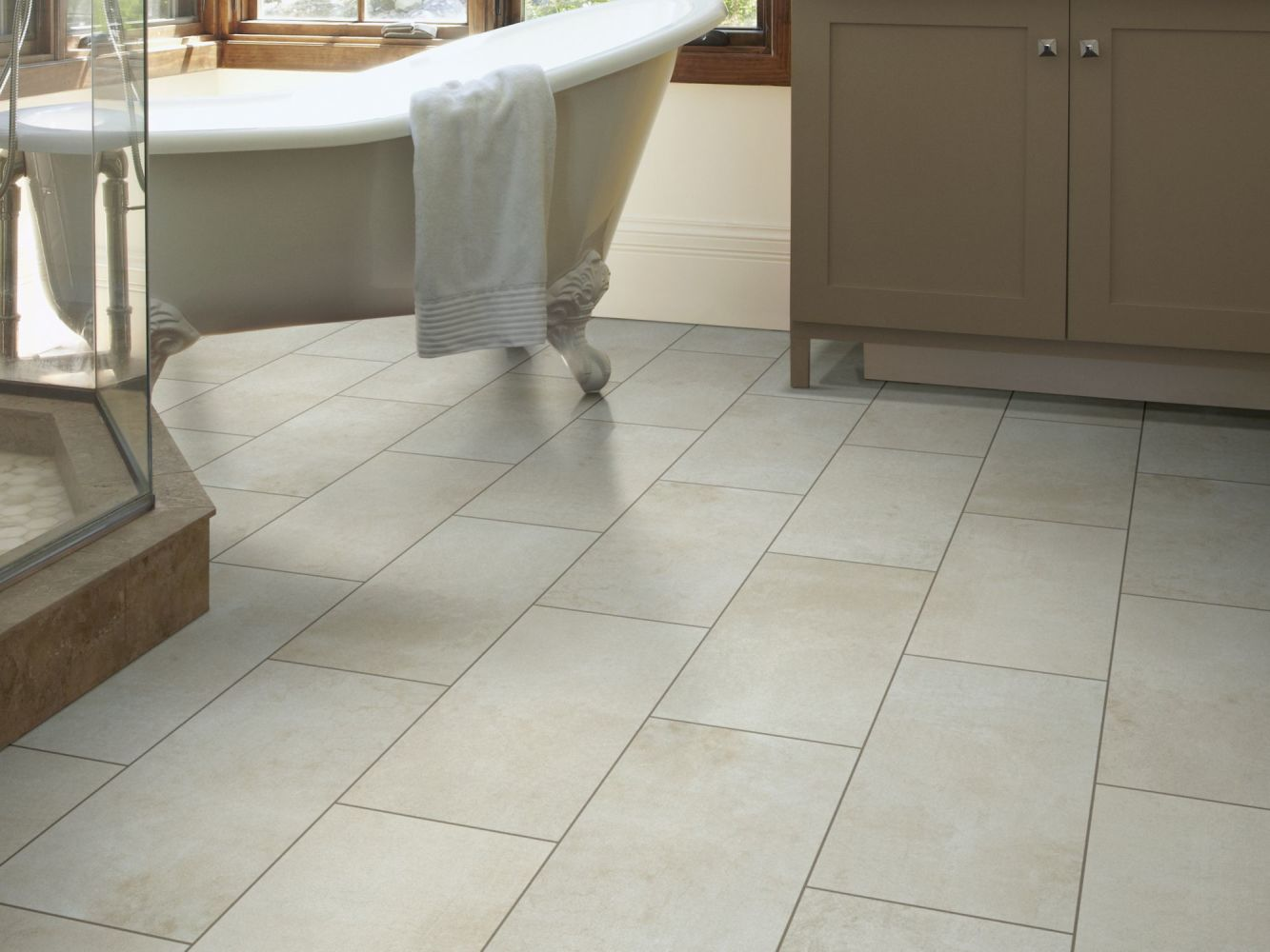 Shaw Floors Ceramic Solutions Courtside 12×24 Bone 00100_CS80Q