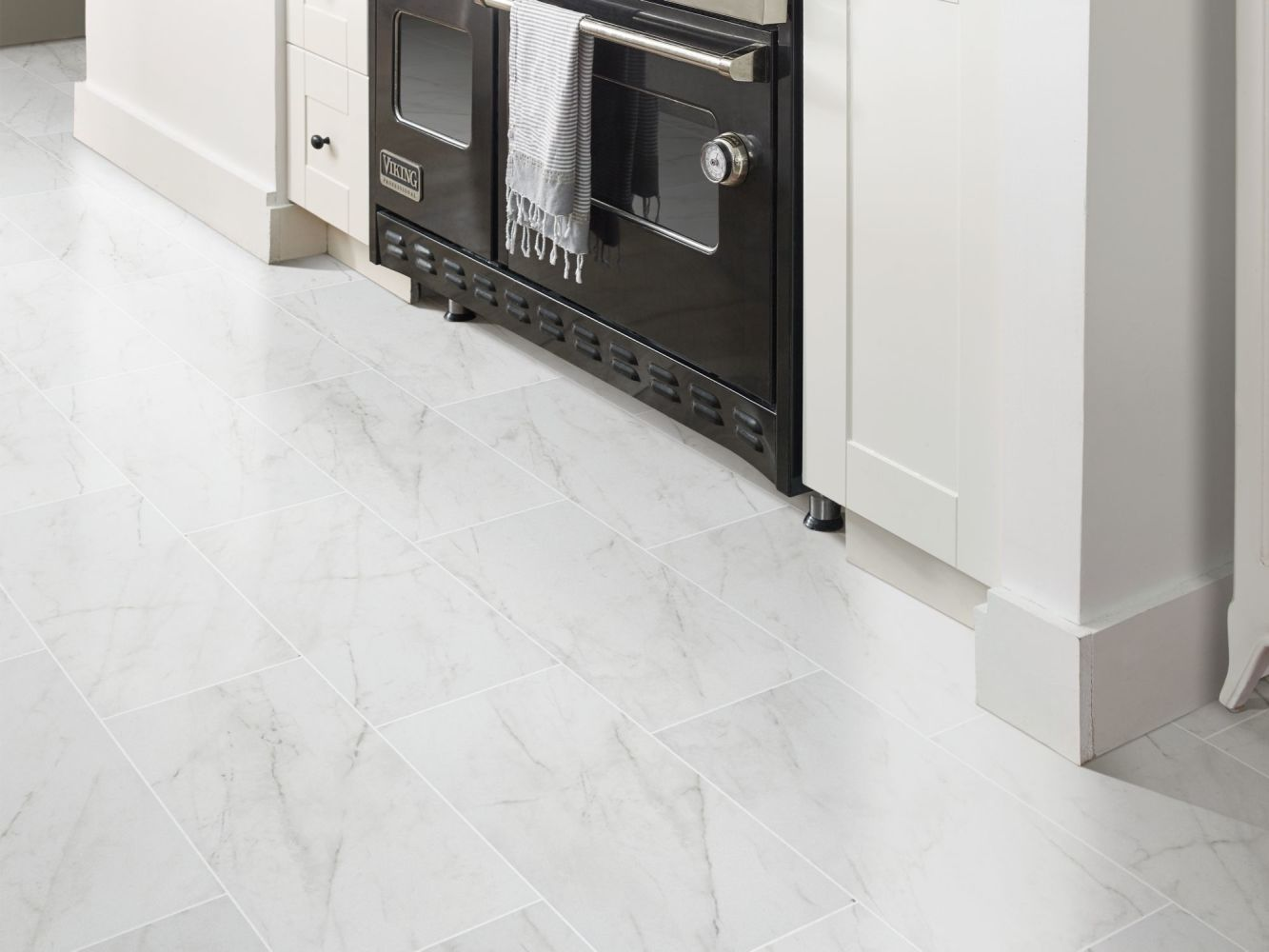 Shaw Floors Ceramic Solutions Altezza 13×13 Carrara 00150_CS86X