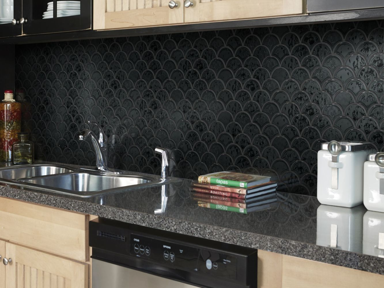 Shaw Floors Ceramic Solutions Geoscapes Fan Black 00555_CS99V