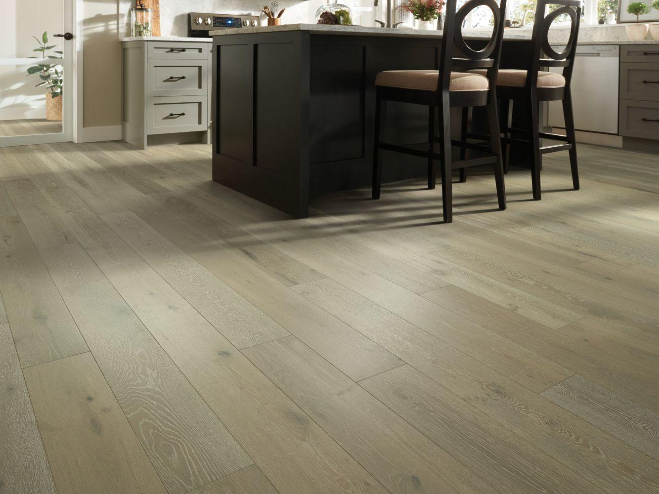 Shaw Floors To Go – Waterproof Hardwood Wrightwood Champagne Oak 01058_FW686