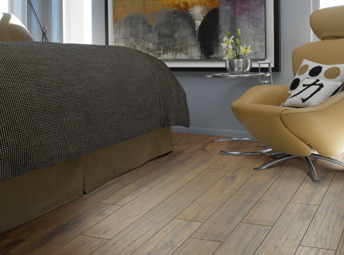 Shaw Floors Versalock Laminate Timberline Corduroy Rd Hckry 00426_GT012