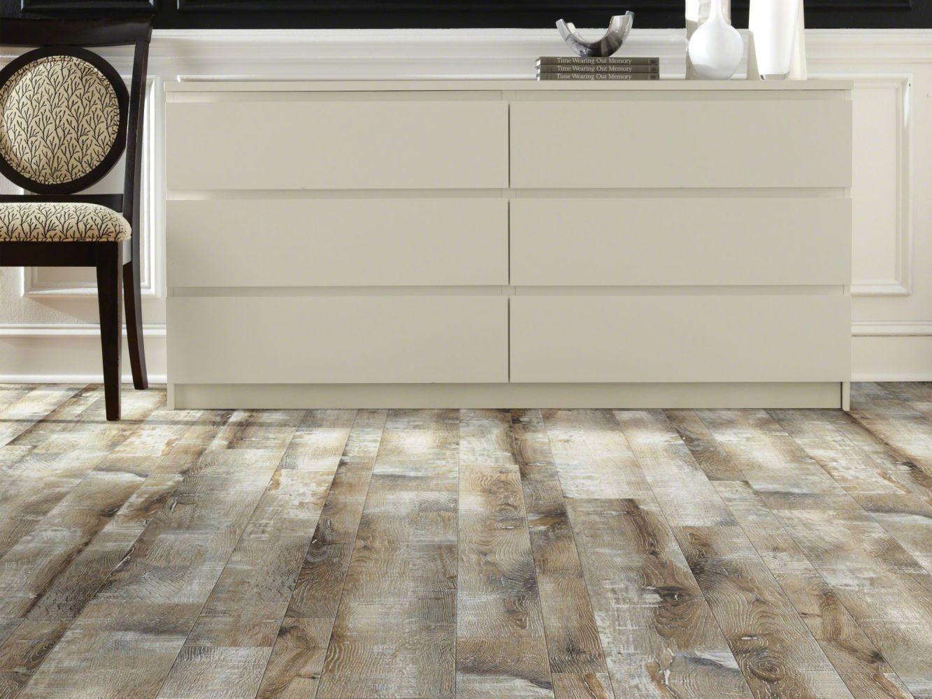 Shaw Floors Home Fn Gold Laminate Home Living Radical Rustic 05010_HL086