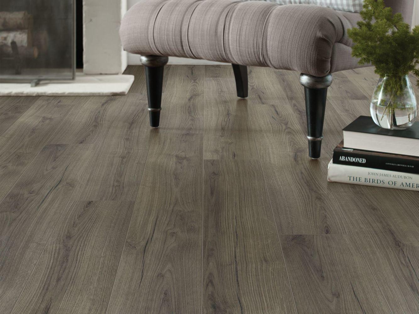 Shaw Floors Versalock Laminate Emergence Plus Kismet 05044_HL444