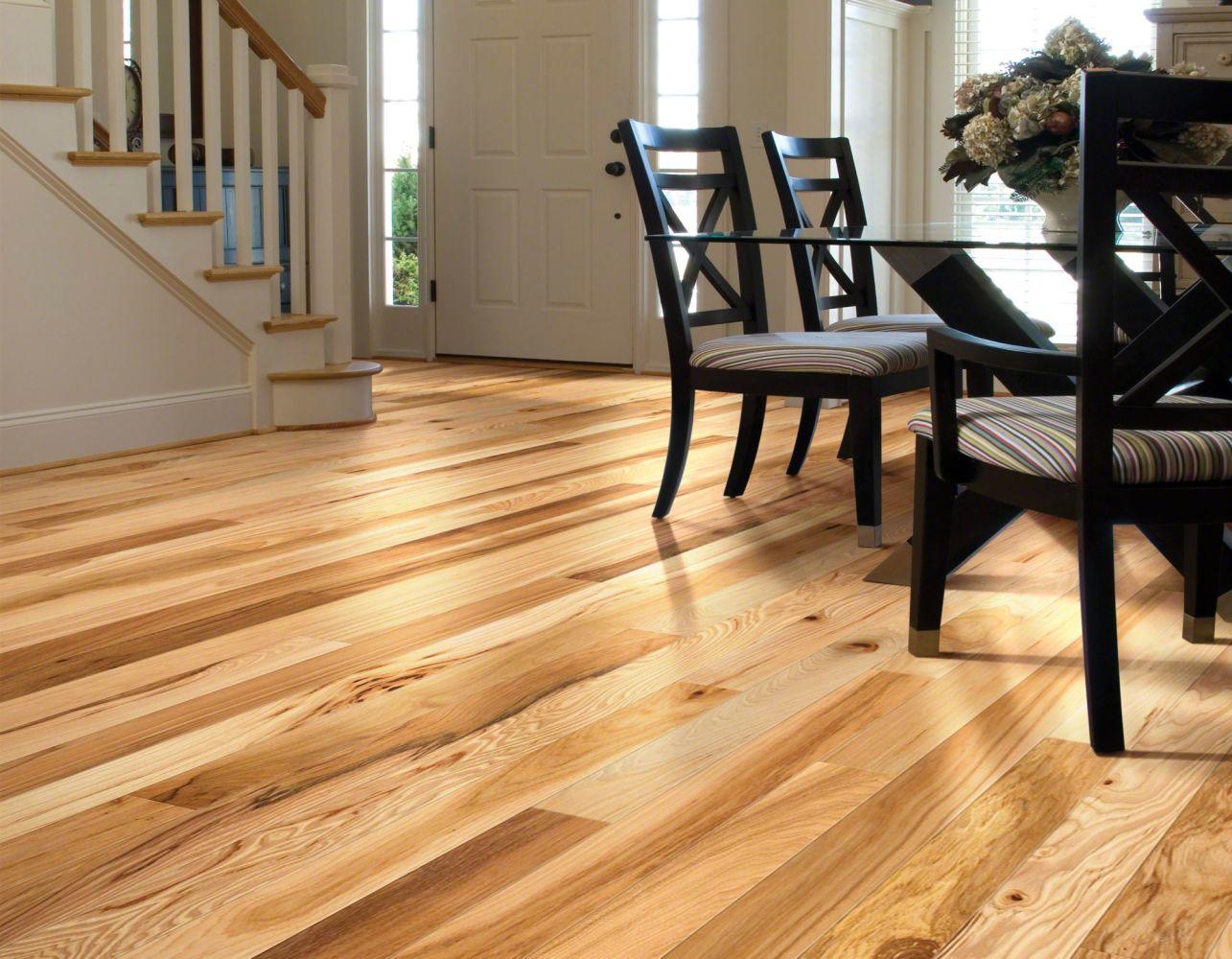 Shaw Floors Home Fn Gold Hardwood Lucky Streak 3.25 Rustic Natural Hickory 00258_HW478