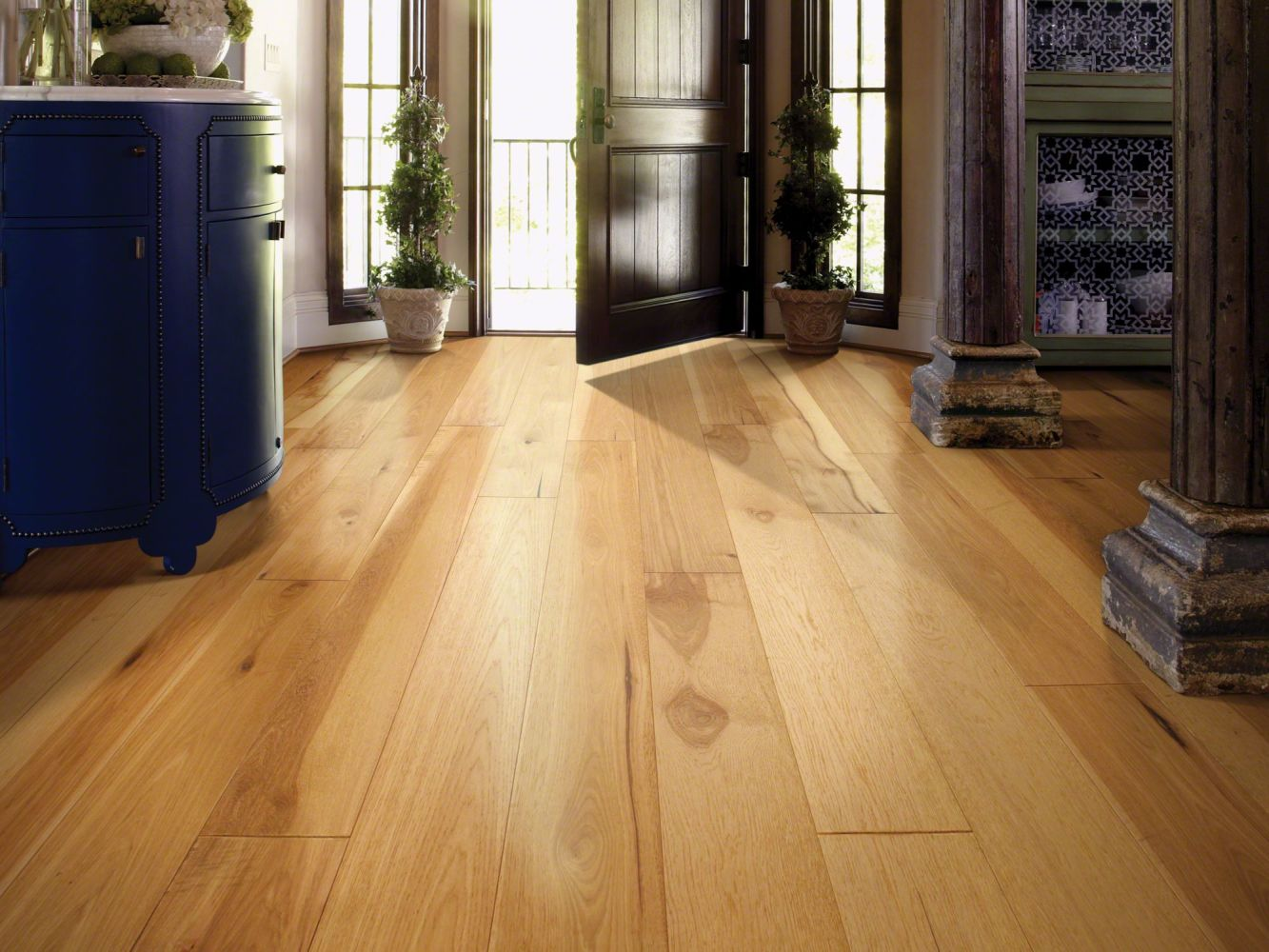 Shaw Floors Home Fn Gold Hardwood Kingston Hickory Coat Of Arms 00993_HW486