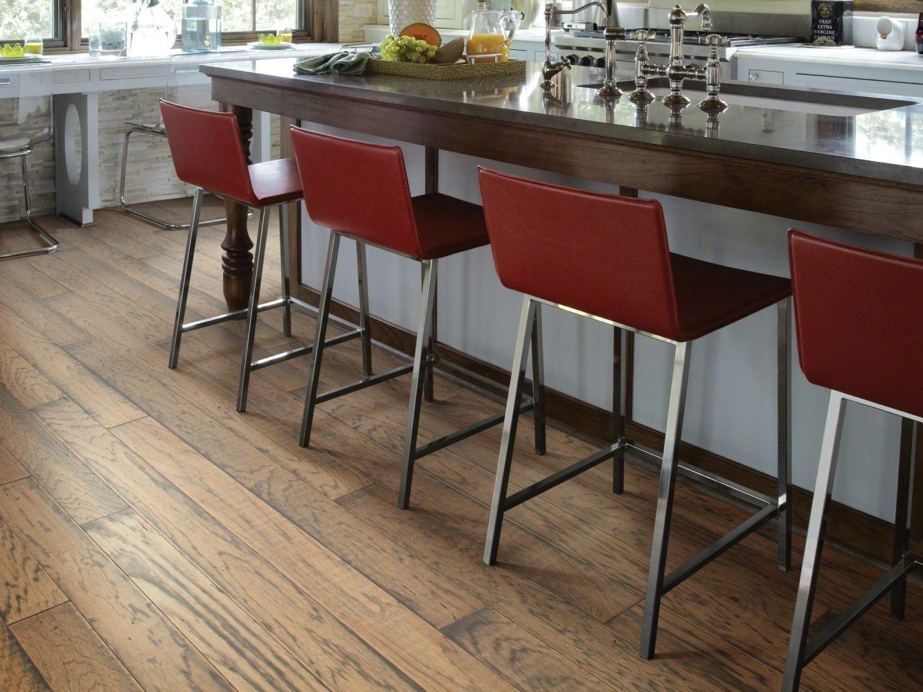 Shaw Floors Home Fn Gold Hardwood Riverbend 2 Fireside 02008_HW602