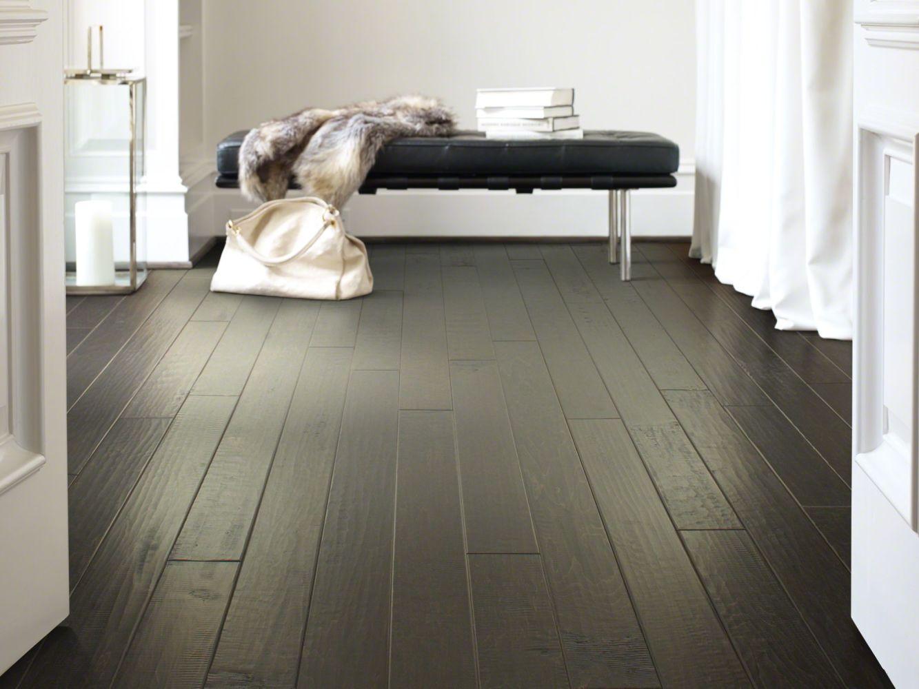Shaw Floors Home Fn Gold Hardwood Mackenzie Maple 2 -5″ Midnight 09003_HW604