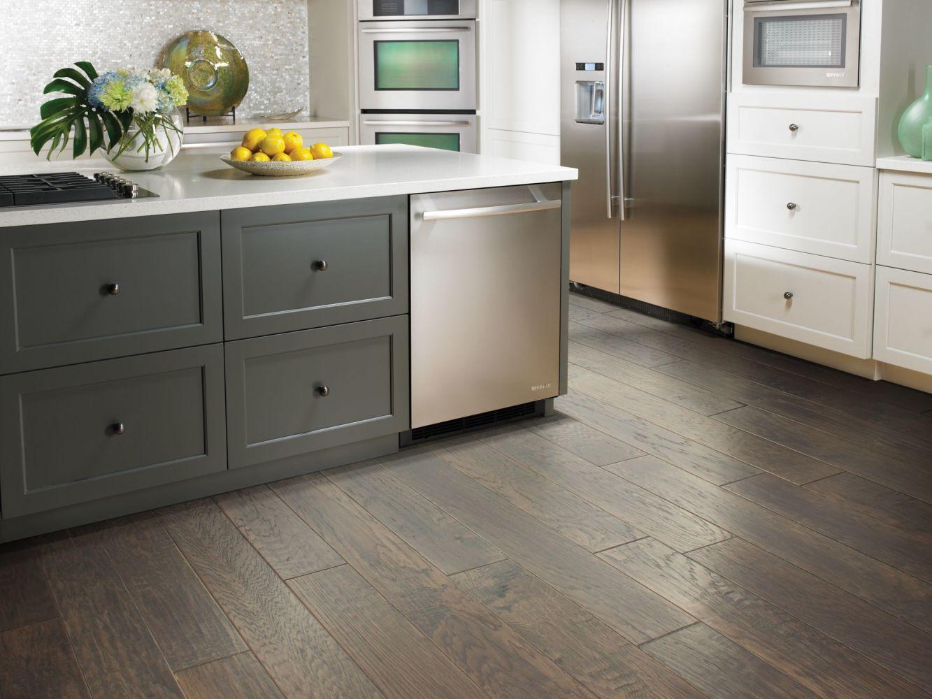 Shaw Floors Home Fn Gold Hardwood Leesburg 2 -6 3/8″ Peppercorn 05003_HW607