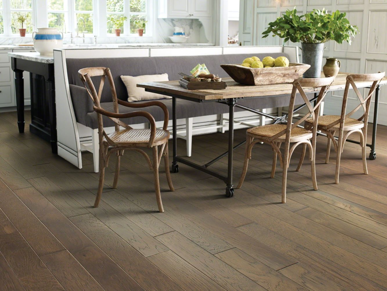 Shaw Floors Home Fn Gold Hardwood Kings Canyon 2 – 5 Peppercorn 05003_HW622