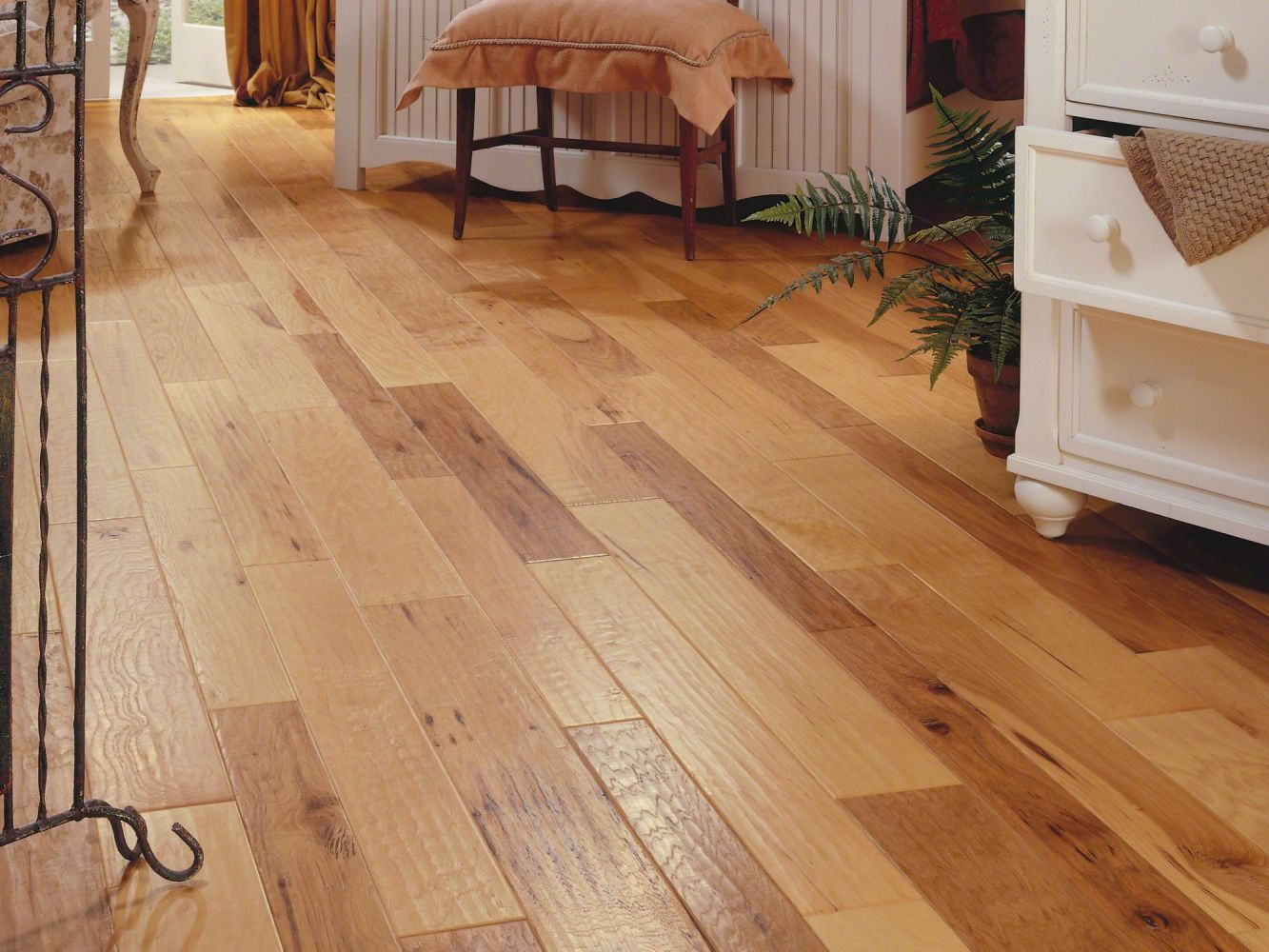 Anderson Tuftex Home Fn Gold Hardwood Artisan Hickory 357 Spicy Cider 37142_HWATR