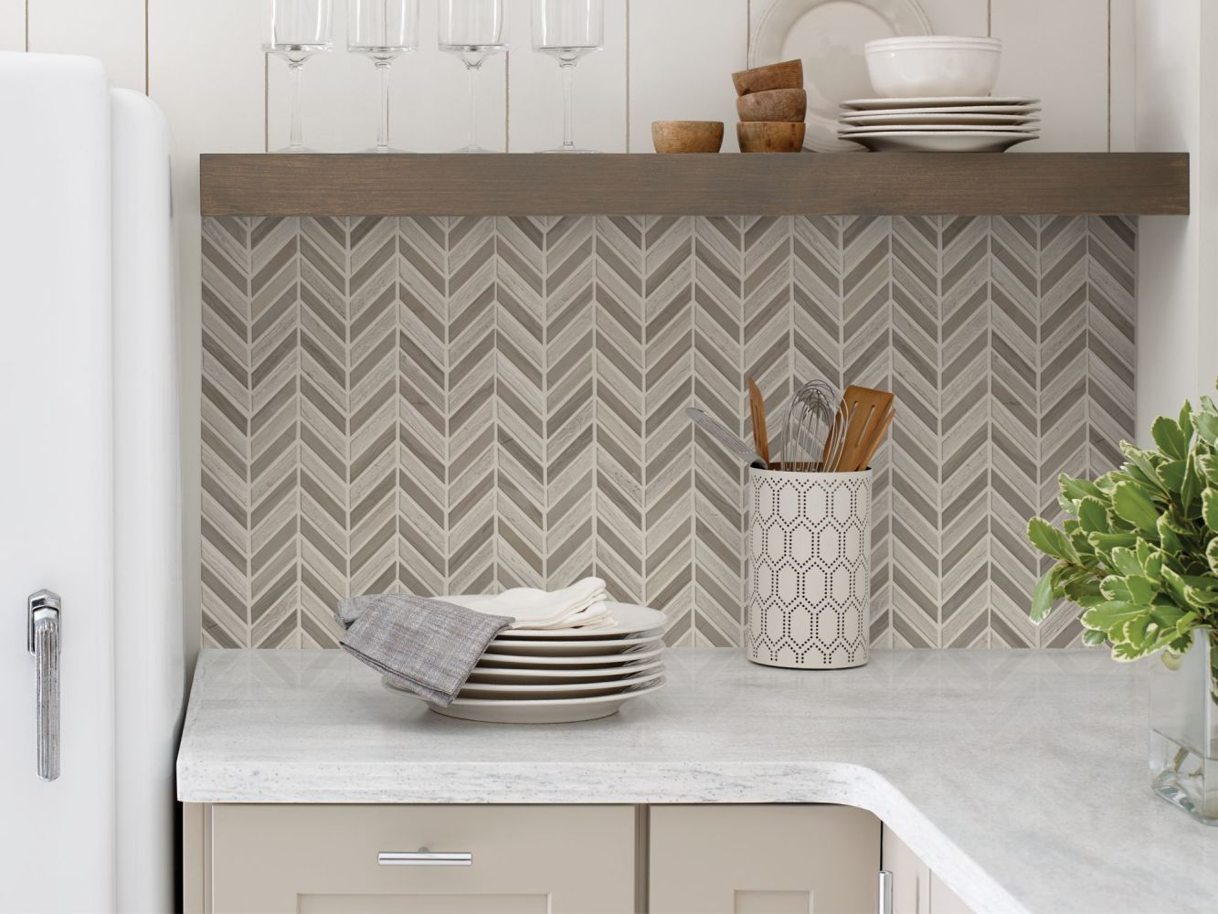 Shaw Floors SFA Pearl Chevron Mosaic Rockwood/Urban Grey 00555_SA31A