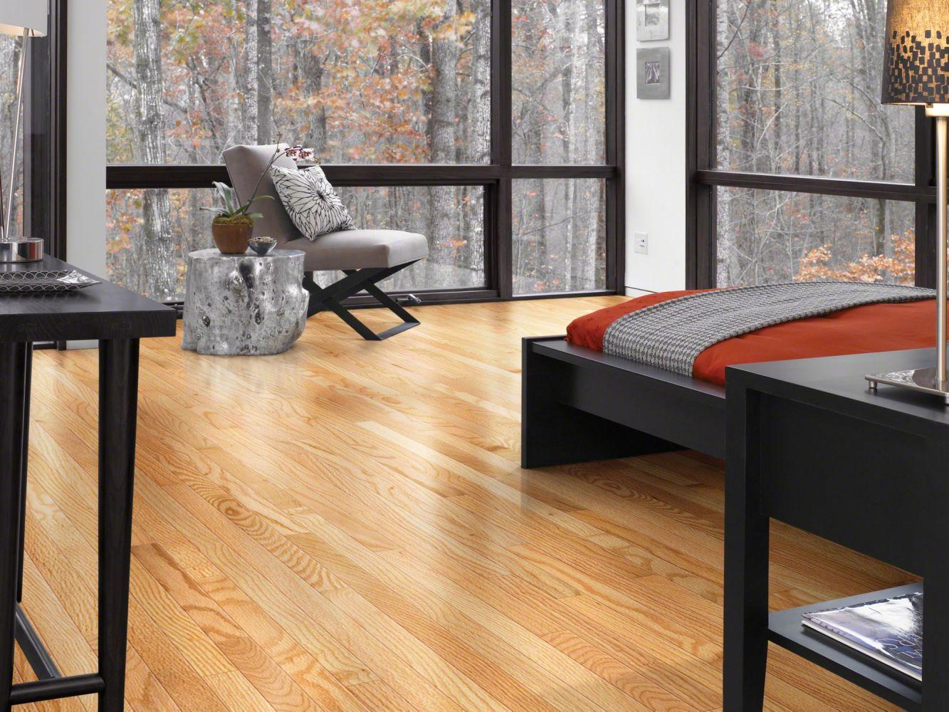 Shaw Floors SFA Family Affair 70 Gloss 2.25 Red Oak Natural 00700_SA478