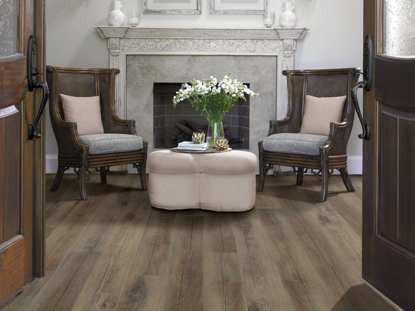 Shaw Floors Versalock Laminate Grand Mountain Tavern Brown Oak 00645_SL094