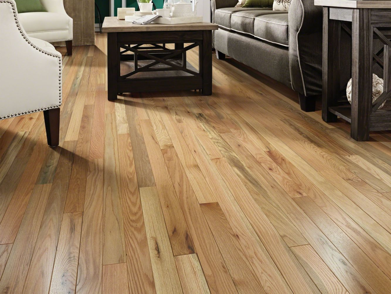 Shaw Floors Oak Solid Golden Opportunity 2 1/4″ 4s Rustic Natural 00143_SW442