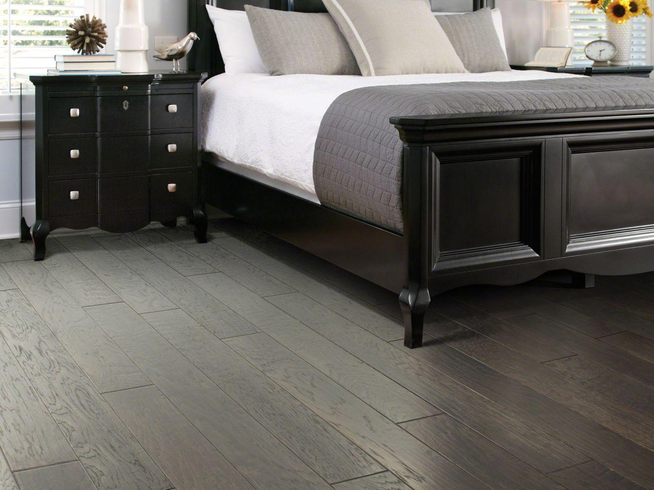Shaw Floors Shaw Hardwoods Sequoia 6 3/8 Granite 00510_SW545