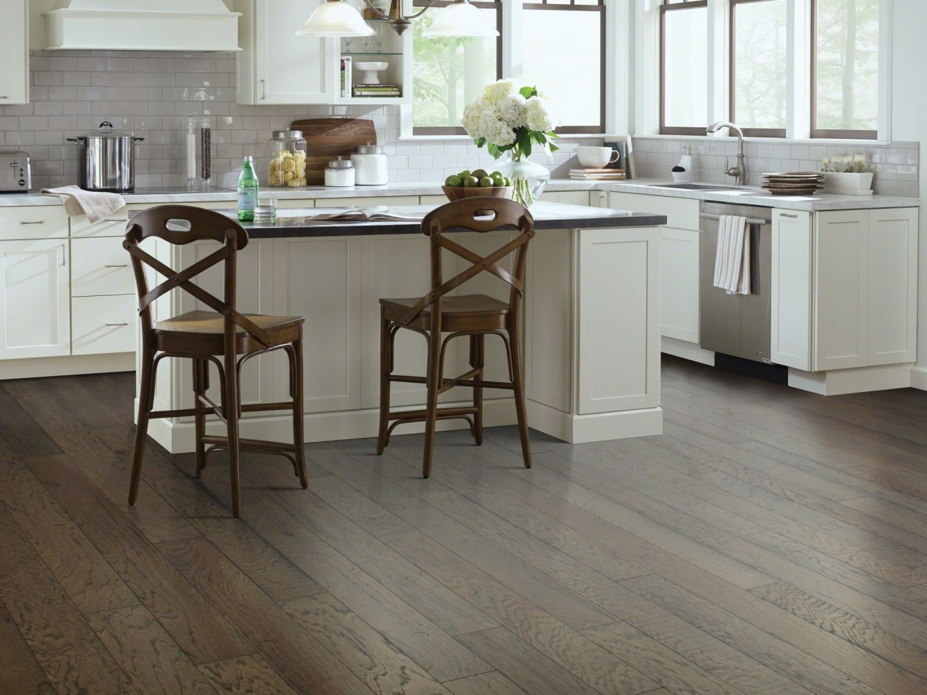 Shaw Floors Shaw Hardwoods Belle Grove Shadow 05010_SW550