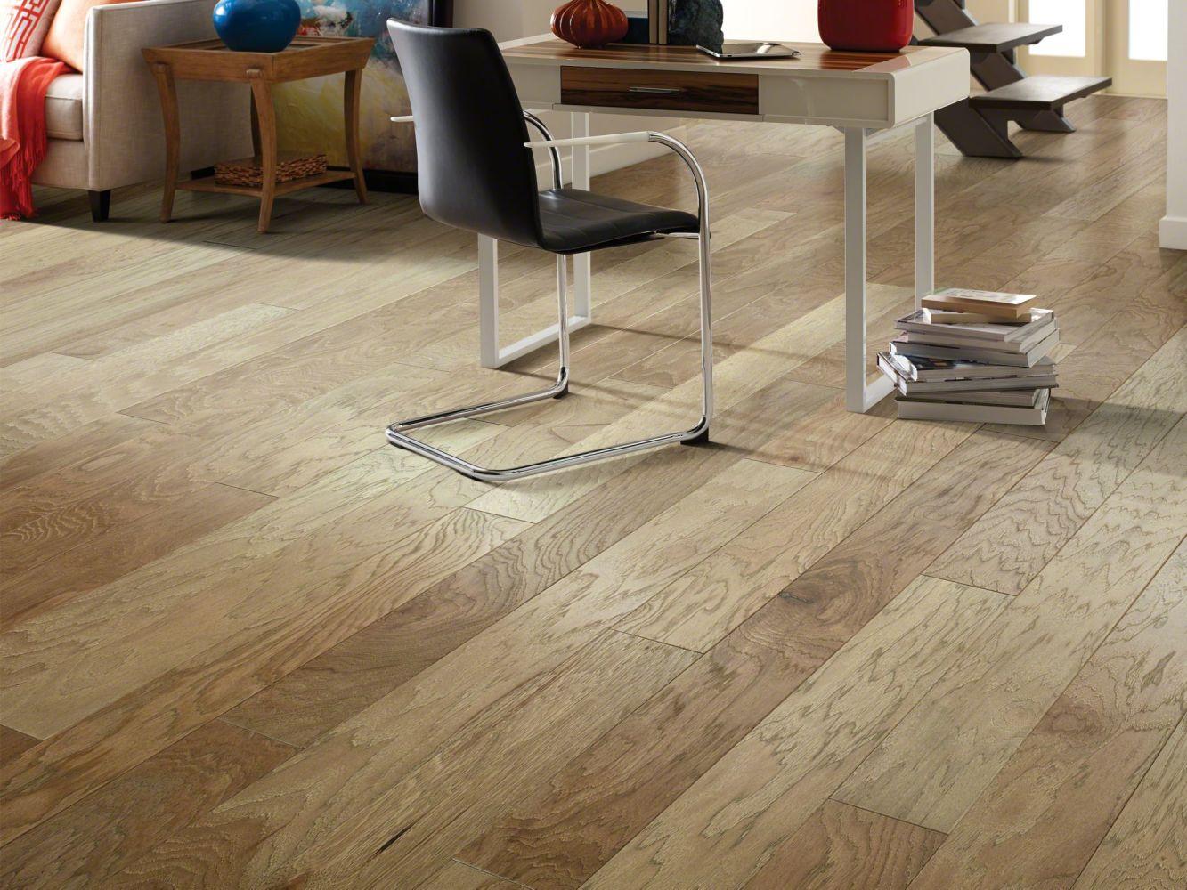 Shaw Floors Shaw Hardwoods Northington Brushed Burlap 02026_SW670