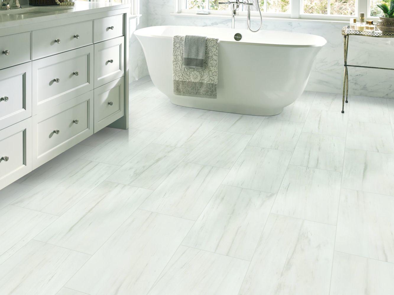 Shaw Floors Home Fn Gold Ceramic Marvel 16×32 Bianco 00150_TG06C